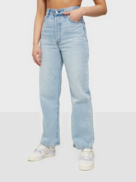 Levis Ribcage Straight Ankle Middle Straight
